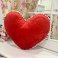 Декоративная подушка велюр 50х50 Сердце: декор помпоны, наполнитель холлофайбер
