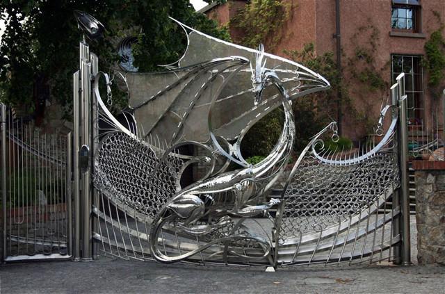 """Распашные ворота из нержавеющей стали """"Дракон"""""""