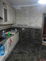 Все стены и пол кухни облицованы керамической плиткой InterCerama