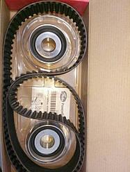 Комплект ГРМ (ремень 154з.2 ролика (больших) K015495XS