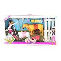 Кукла с лошадью в коробке