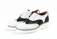 Итальянские женские туфли (броги) черно-белого цвета из натуральной кожи, марки Via Studio