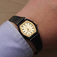 Заря Кварц женские наручные кварцевые часы СССР