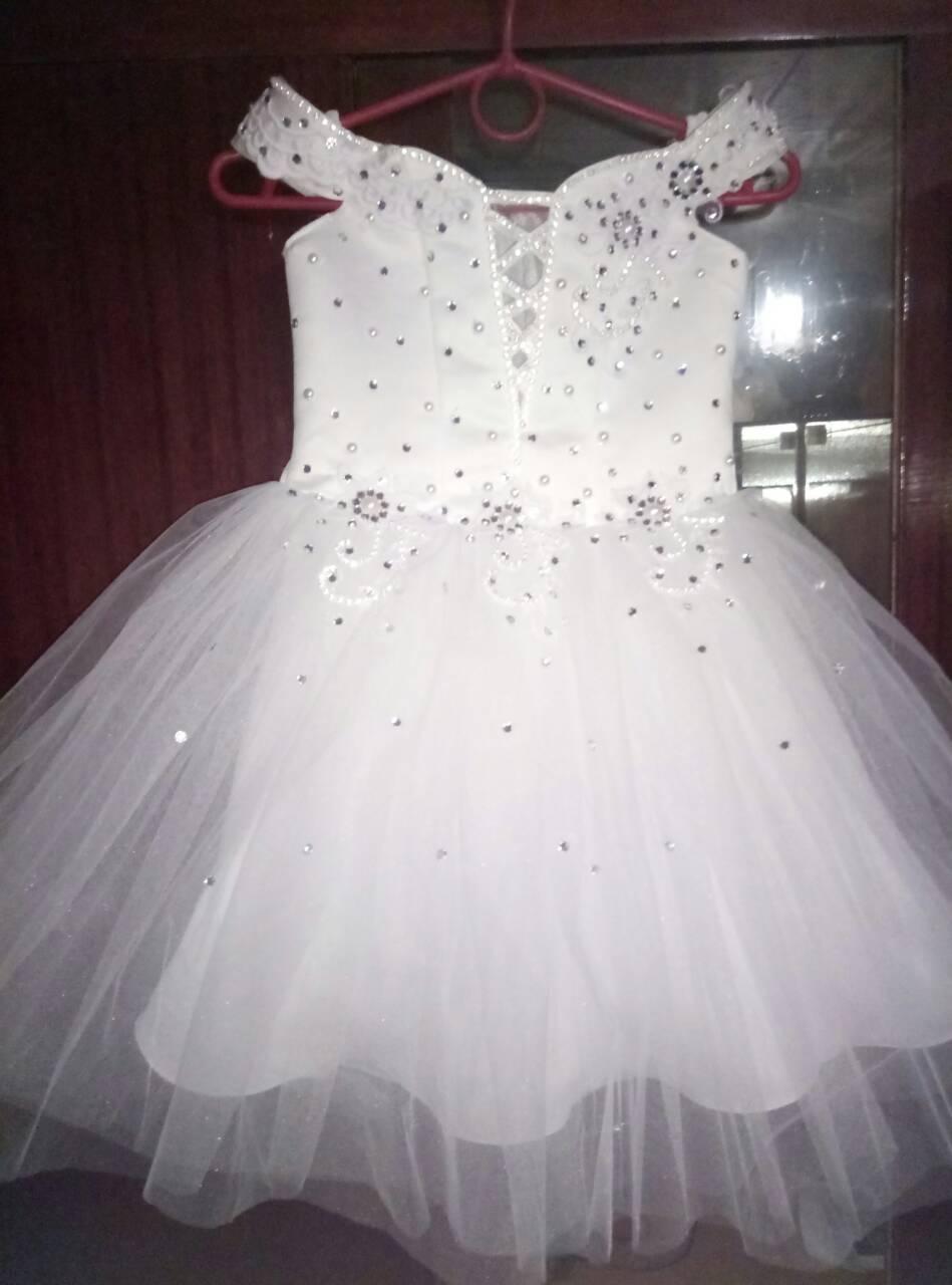 Бальное белое детское платье