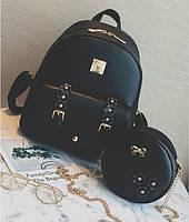 Рюкзак в цветочек в наборе с сумочкой.