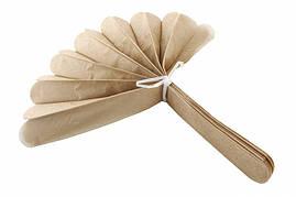 Помпон из тишью, светло-коричневый, 35 см