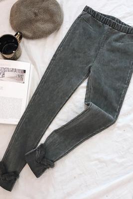 Женские джинсы с мехом