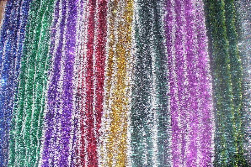 Мишура Новогодняя с белыми кончиками , d = 5 см,3 м ,100 шт/в упаковке. (1 уп.) 5 расцветок