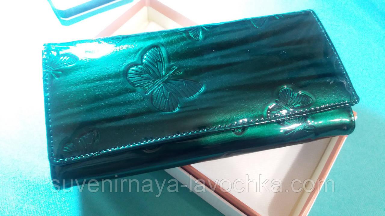 Женский кошелек из натуральной кожи ( Лак ) Cossroll на магните сзади отделения змейка