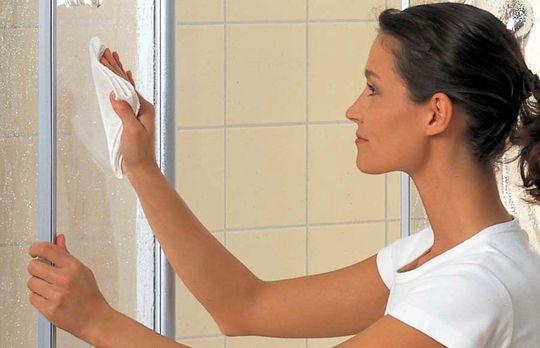Как правильно ухаживать за душевой кабиной — какими средствами и как мыть?