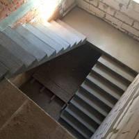 Бетонная п-образная лестница, фото 1