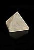 Пирамида из розового кварца