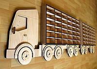 Настенная полка Toy Truck в детскую комнату мальчика для 72 игрушечных машинок. Размер 2,24 м. х 65 см.
