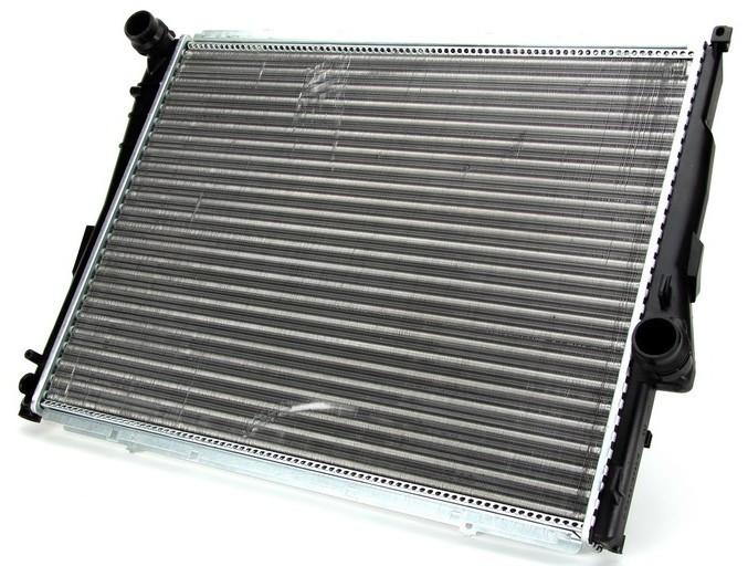 Радиатор BMW 1(E81), 3(E46), Z4(E85-86-89)