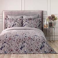 Как улучшить интерьер Вашей спальни с помощью постельного белья?
