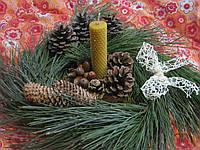 """Набор """"Новогодний декор"""" (новогодний венок, подсвечник и три свечи восковые)"""