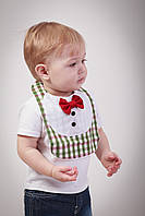 "Слюнявчик для мальчика ""Маэстро"" Зелено-бордовая клеточка, фото 1"