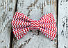 Галстук-бабочка, красный зигзаг