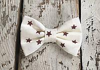 Галстук-бабочка, коричневые звезды