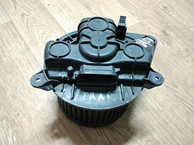 Вентилятор печки (широкий разъем) Renault Trafic, Opel Vivaro 2001-2014, 7701208225 (Б/У)