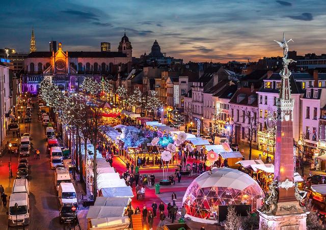 Рождественский рынок в Брюсселе, Бельгия. Фото 1