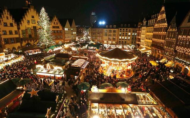 Рождественский рынок в Бонне, фото 1