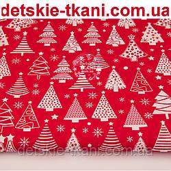"""Ткань новогодняя """"Ёлки разной формы"""" на красном фоне, № 1101"""