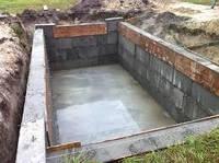 Кирпич строим погреб своими силами