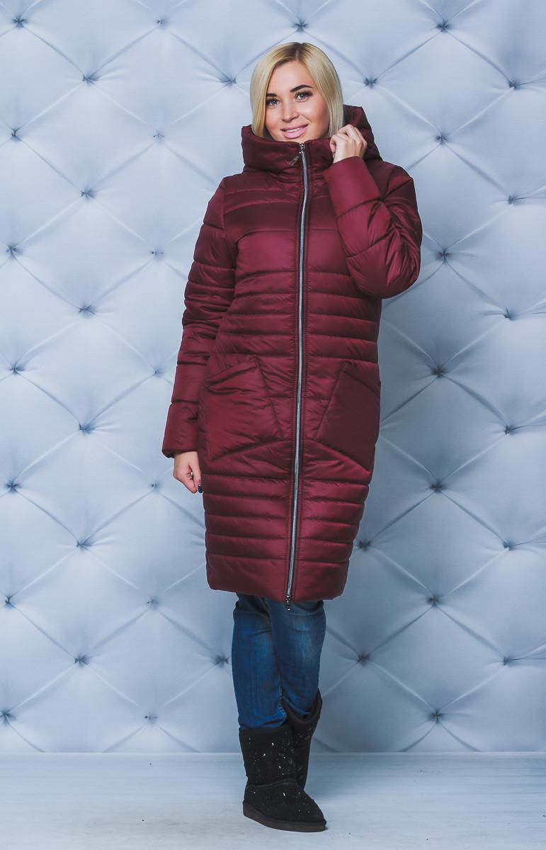 Зимнее женское пальто с капюшоном бордо