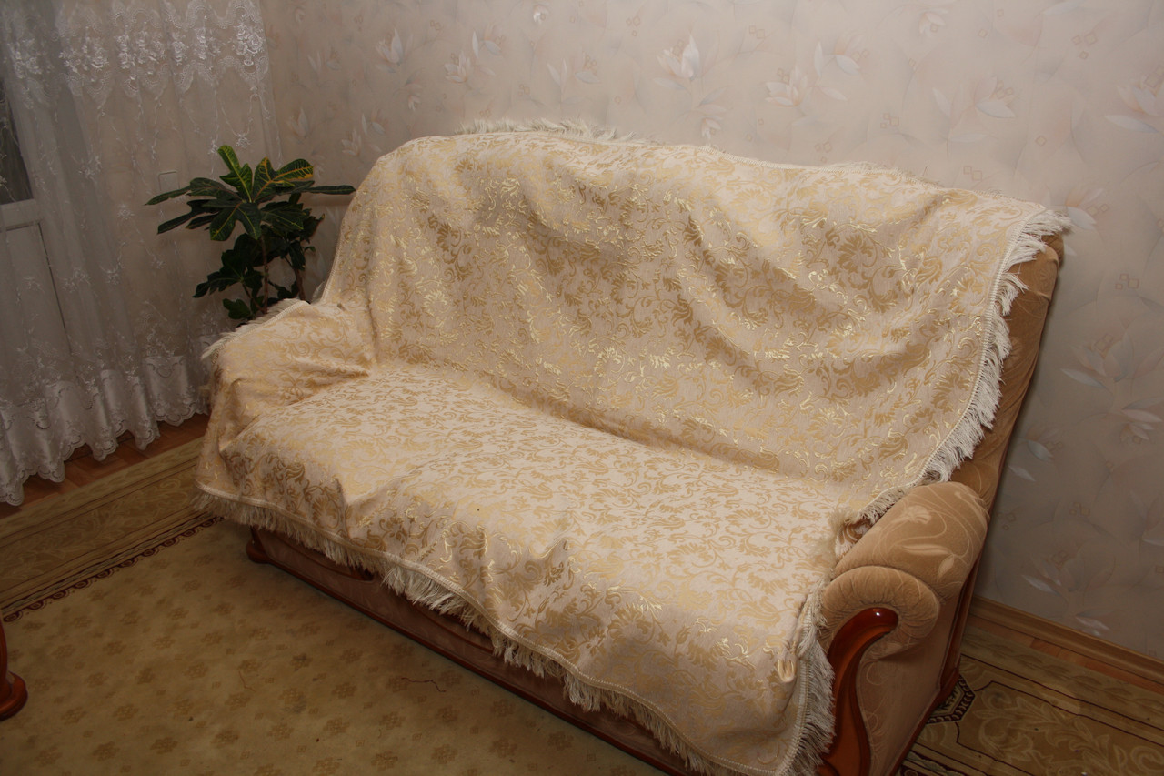 Покрывала полуторные гобеленовые на кровать Лаура молочного цвета