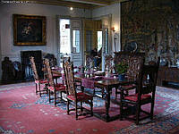 Столы, комплекты столы и стулья