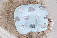 """Подушка для новорожденных """"Барашки"""" голубые"""