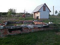 Земельный участок под застройку (15 соток). в Сумском районе с фундаментом и хоз.постройками!