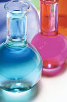 В чем отличие профессиональной химии от бытовой химии?