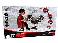 Ударная установка (5 барабанов) состоит из: 5 барабанов разного размера, тарелки, стульчик и палочки
