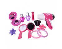 Набор аксессуаров: фен, щётка, зеркальце, браслеты, флакончики духов, заколочки