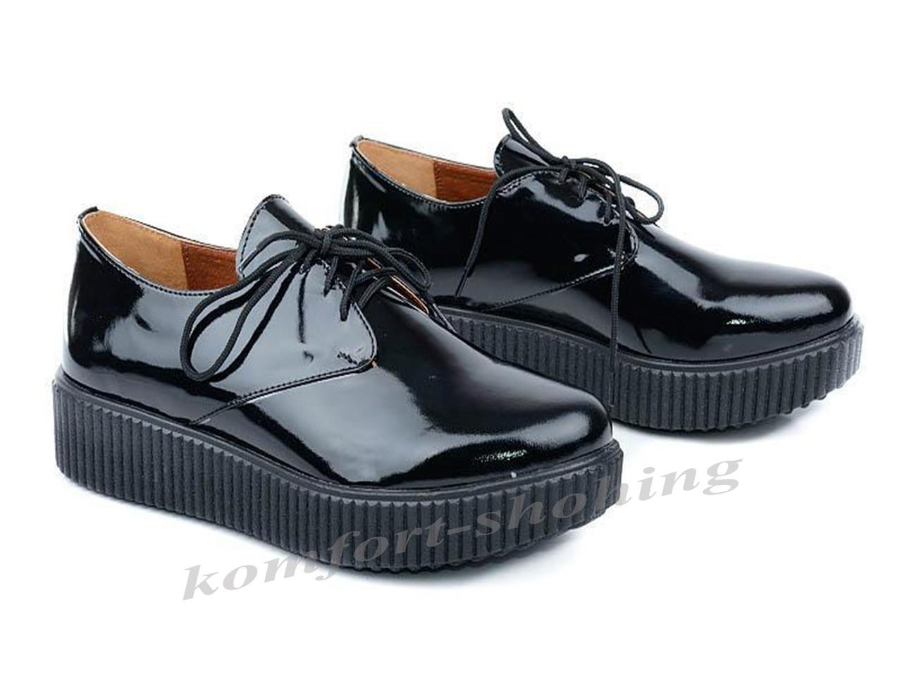 Туфли  женские на шнуровке лаковые, черные  V 909