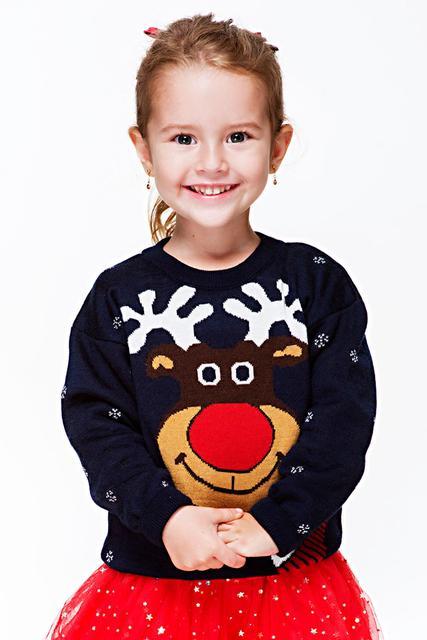 Вязаные свитера и кофты для девочек