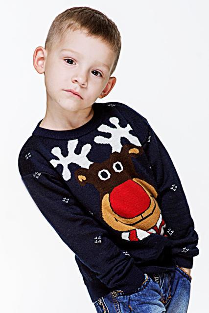 Вязаные свитера и кофты для мальчиков