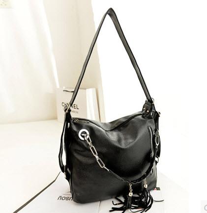 Вместительная сумка-рюкзак оригинального дизайна