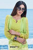 Свободная салатовая блуза с желтыми гипюровыми вставками Gepur 13415
