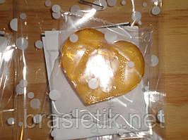 Леденцы сердечки с ПРЕДСКАЗАНИЕМ, в форме сердечка без палочки в праздничной упаковке.