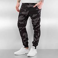 Зауженные камуфляжные брюки штаны на манжете