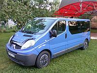 Передний салон, левое окно, в дверь на Renault Trafic, Opel Vivaro, Nissan Primastar (Трафик, Виваро, Примаста