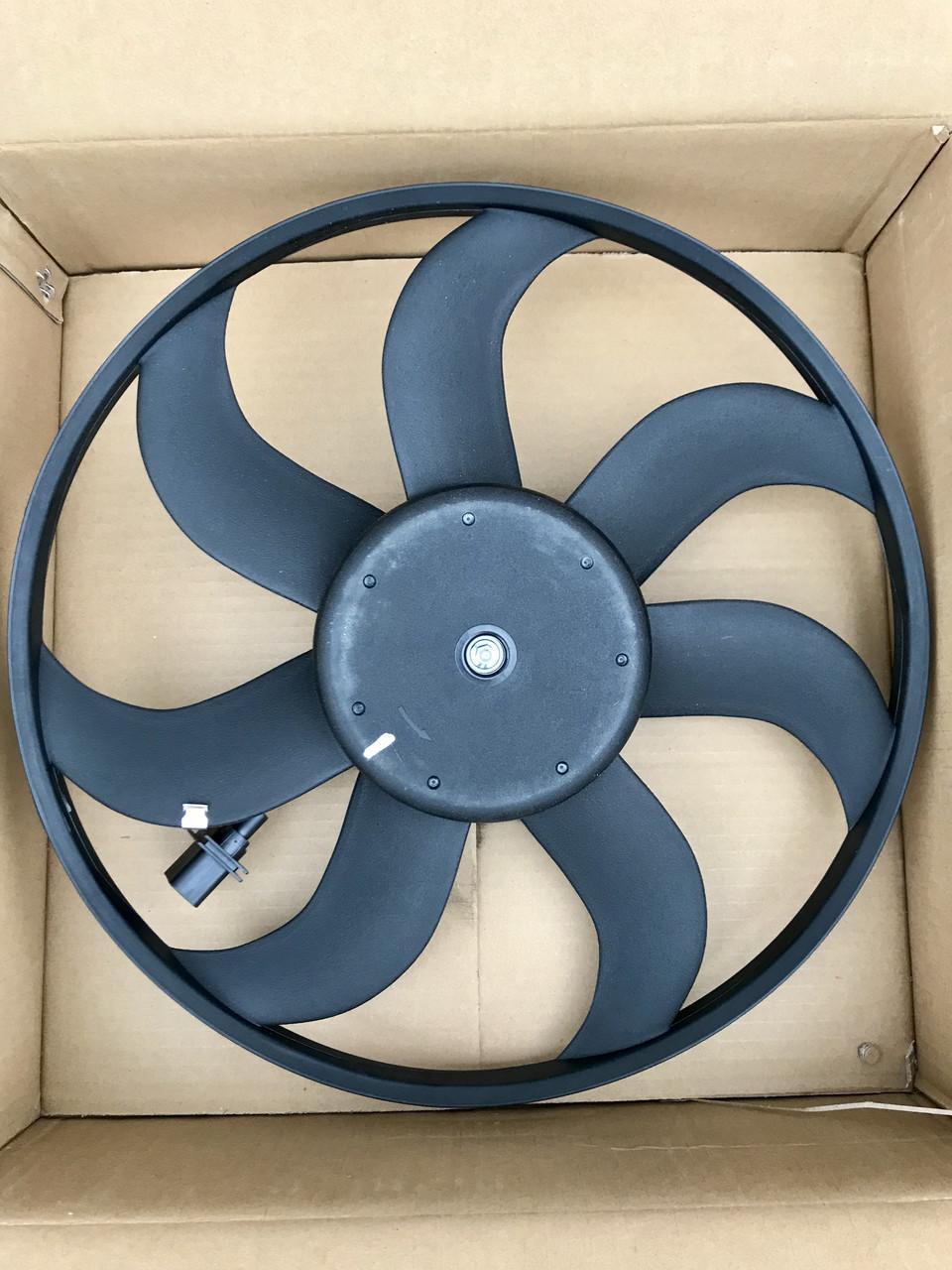 Вентилятор радиатора Skoda Fabia/Roomster VW Polo 390мм 6R0959455E
