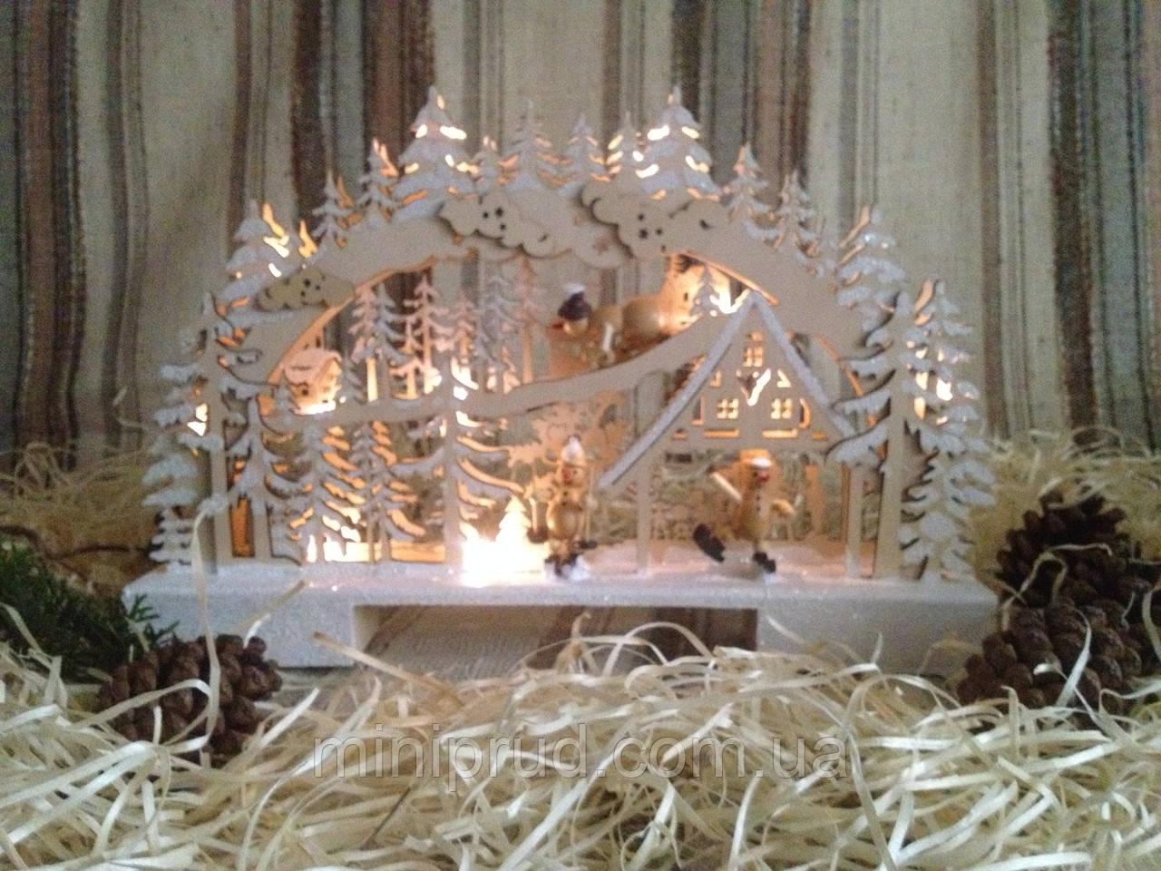 """Новогоднее, рождественское украшение с подсветкой """"Снеговики на лыжах в лесу"""""""