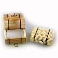 Алунит - природный антиперсперант-кристалл 90 грамм в бамбуковой шкатулочке. Отличный вариант для подарка!