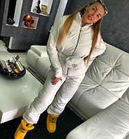 Зимний лыжный костюм в комплекте с поясной сумкой белого цвета Дора, лыжные костюмы оптом от производителя