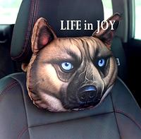 Комплект подушек подголовников 2 штуки в автомобиль с 3 D печатью собаки.