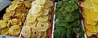 Сушеные фрукты: персик, киви, груша, кизил